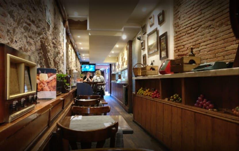 bar de tapas guell en barcelona