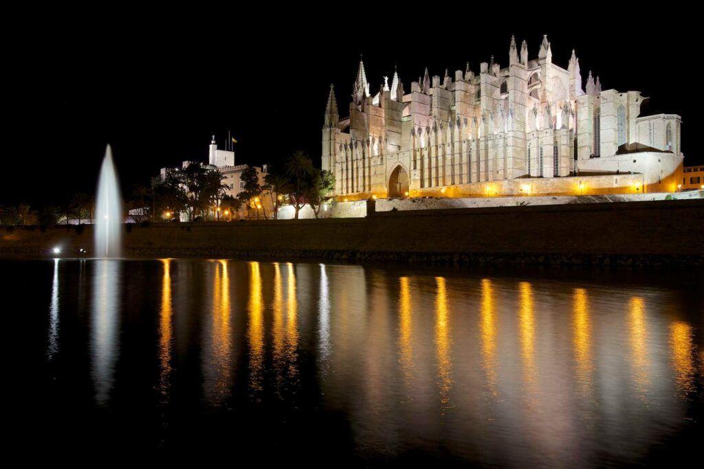 vista catedral mallorca noche